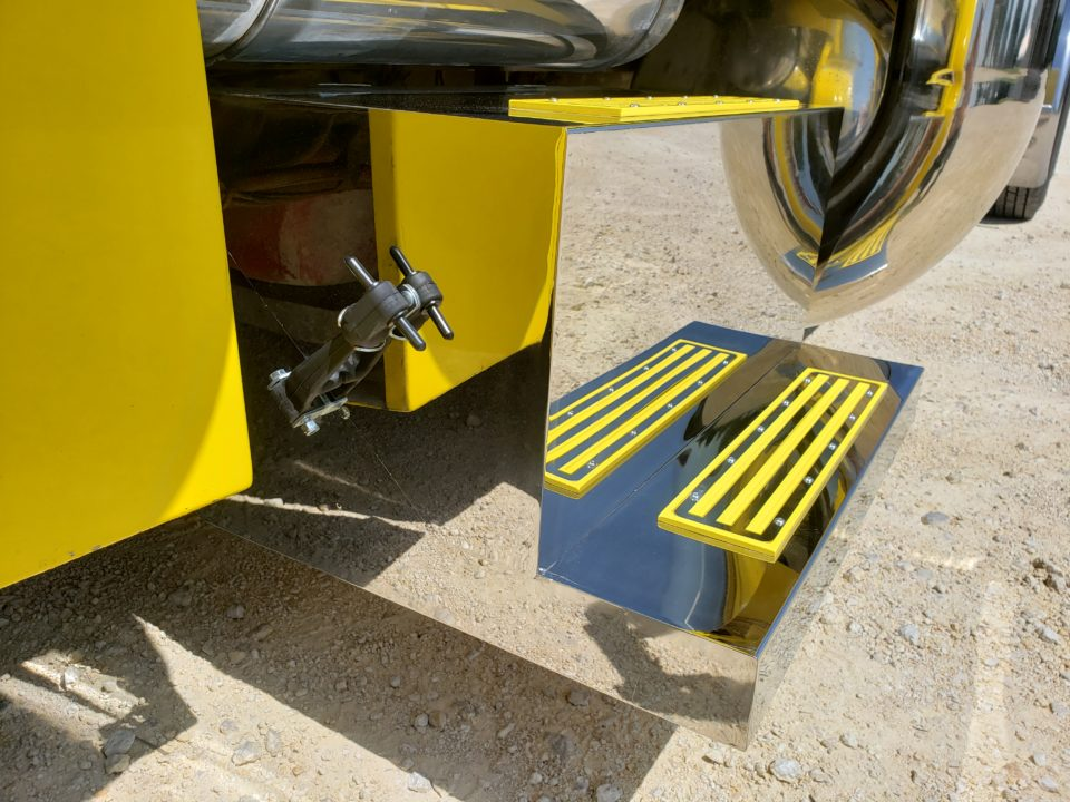 American Eagle Exhaust Stephenville Texas - Stainless Steel Step Boxes & Battery Boxes Yellow Step Plates 4