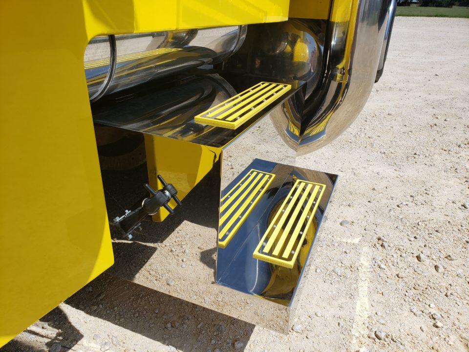American Eagle Exhaust Stephenville Texas - Stainless Steel Step Boxes & Battery Boxes Yellow Step Plates 3