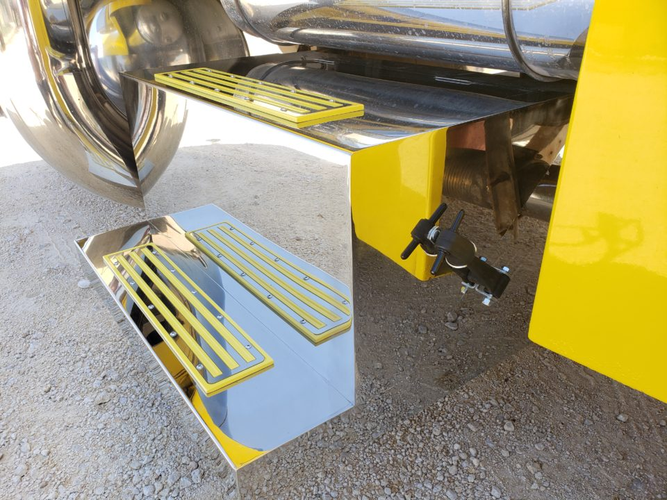 American Eagle Exhaust Stephenville Texas - Stainless Steel Step Boxes & Battery Boxes Yellow Step Plates 2